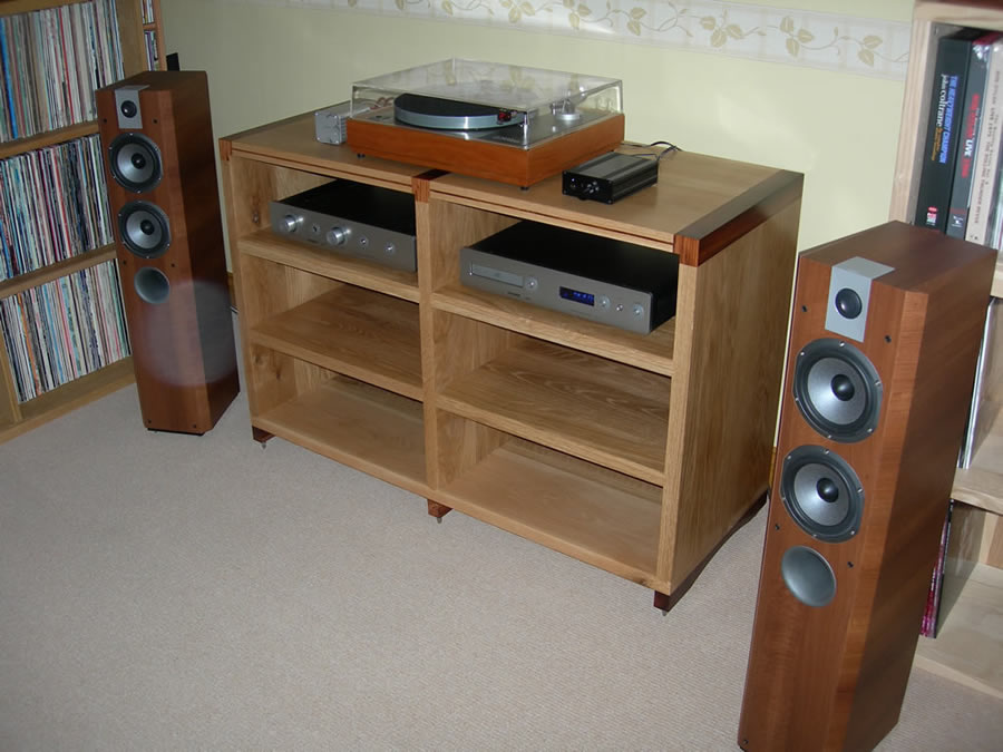 Oak And Anjan Detail Hi Fi Rack   £1600